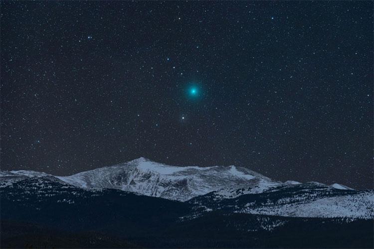 Sao chổi và núi tuyết
