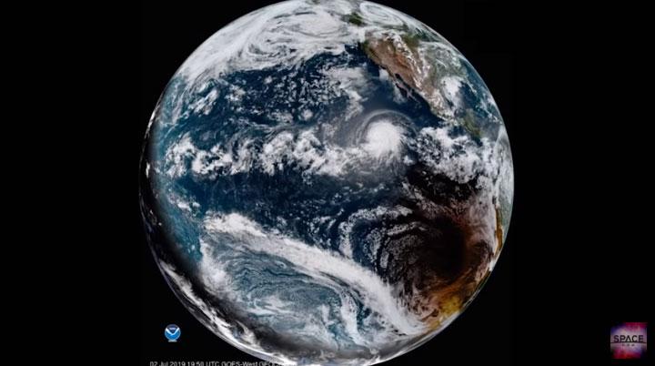 Nhật thực toàn phần diễn ra cùng lúc với bão Barbara.