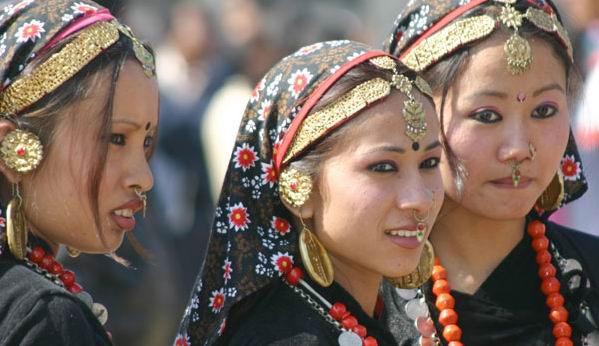 Phụ nữ Nepal thường phải lấy tất cả anh em trong một gia đình làm chồng.