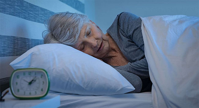 Theo nghiên cứu, có mối quan hệ đáng kể giữa việc tăng cường giấc ngủ sâu bằng âm thanh hồng và trí nhớ.