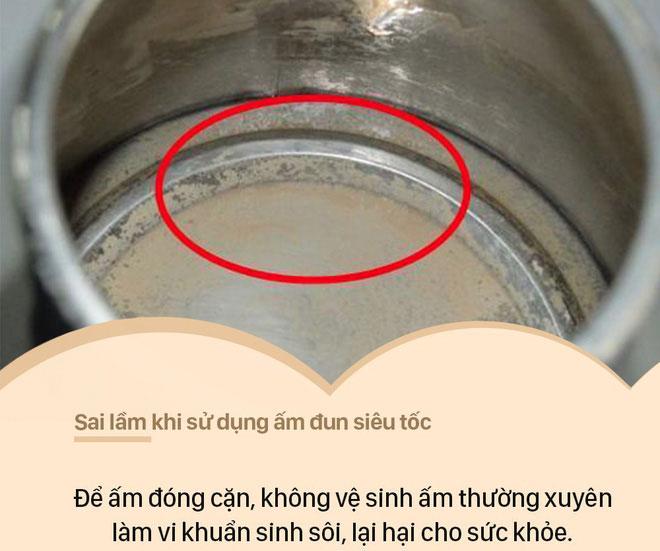 Để ấm đóng cặn, không vệ sinh ấm thường xuyên