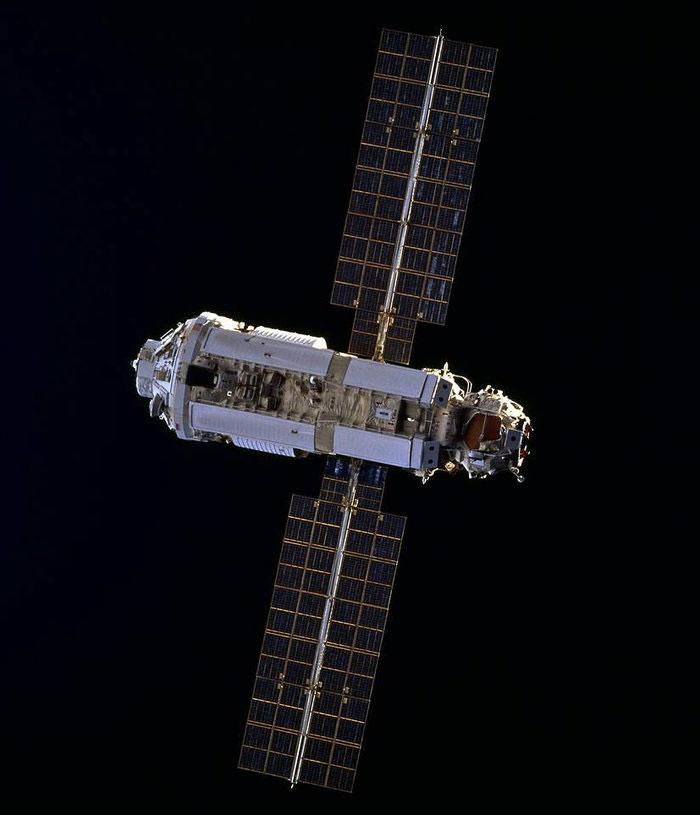 Mô đun đầu tiên của ISS, Zarya Control