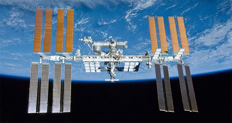 Hình ảnh ISS được chụp từ tàu con thoi Atlantis vào ngày 23/5/2010.