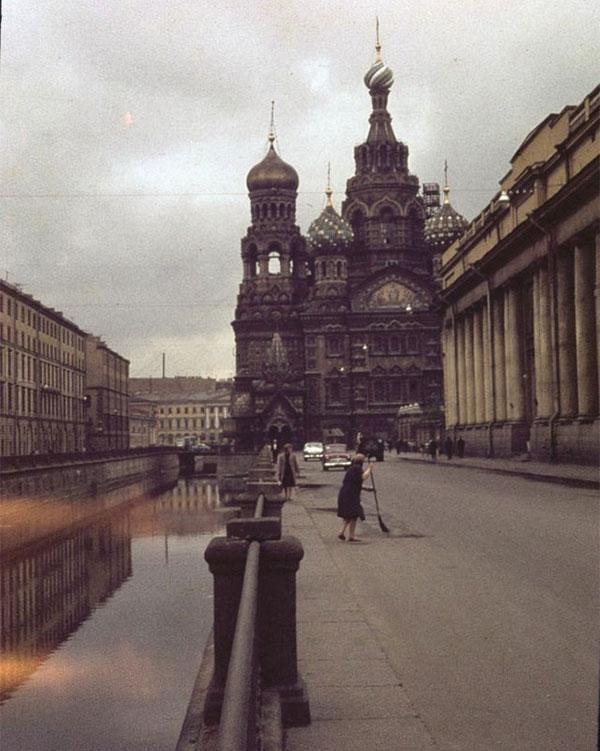 Nhà thờ Resurrection of Jesus Christ (Chúa Cứu thế trên Máu đổ) ở Leningrad
