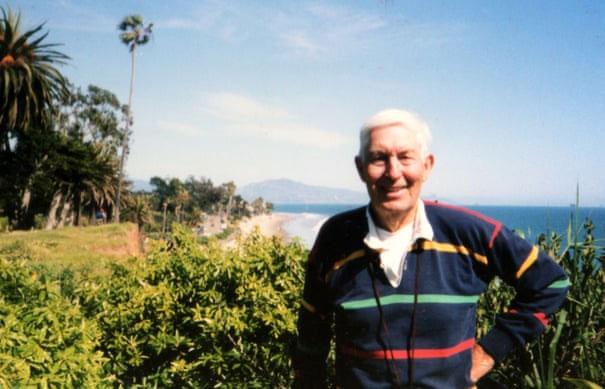 Kaysing là người đầu tiên khơi mào giả thuyết NASA chưa từng đưa người lên Mặt trăng.