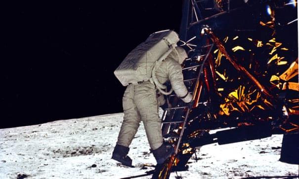 Phi hành gia Mỹ đã làm nên lịch sử khi đặt chân xuống bề mặt Mặt Trăng vào năm 1969.