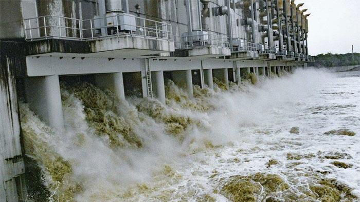 Kịch bản xấu nhất có thể khiến hệ thống bơm thoát nước của thành phố quá tải.