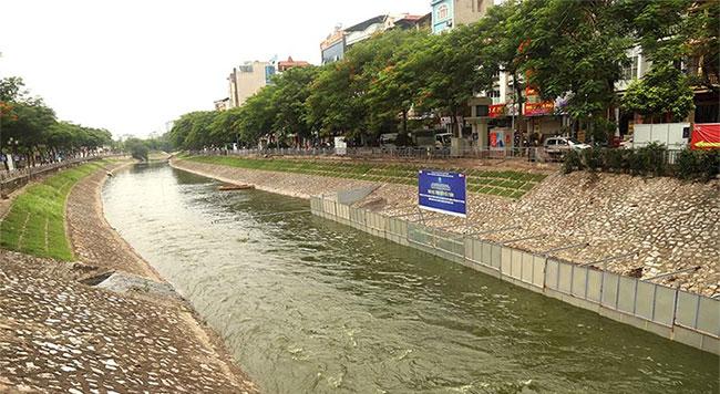 Sông Tô Lịch tiến hành thí điểm thêm 2 tháng nữa.