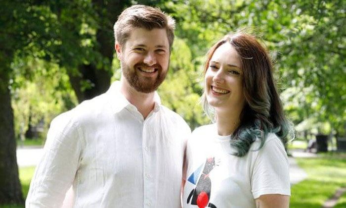 James Owers và Diana Bardsley là một trong số 450 cặp đôi đầu tiên thử nghiệm gel tránh thai cho đàn ông.