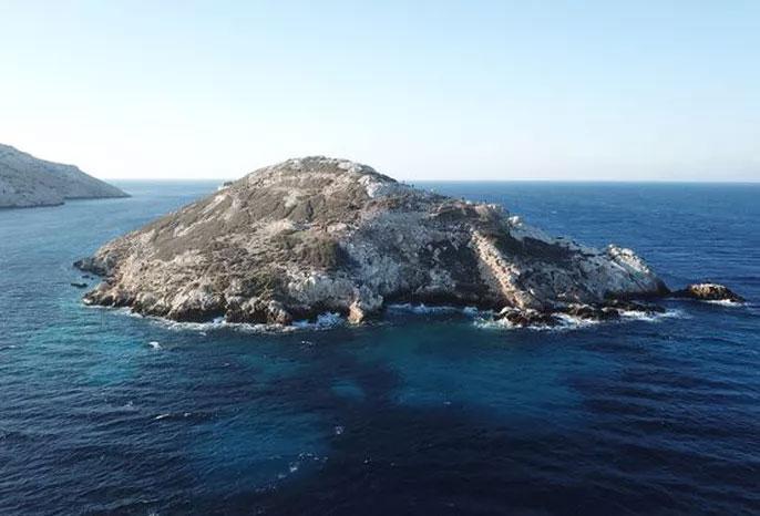 Toàn cảnh hòn đảo kim tự tháp