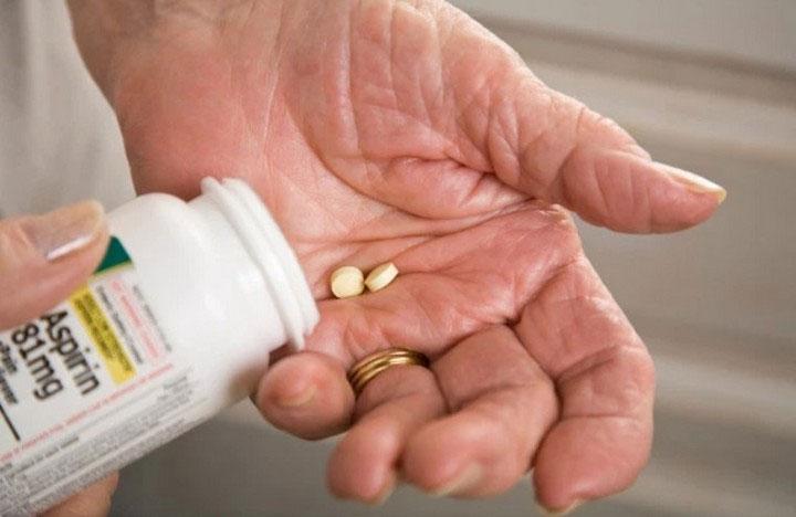 Đối với những người khỏe mạnh, thuốc aspirin không có tác dụng phòng ngừa bệnh tim mạch.