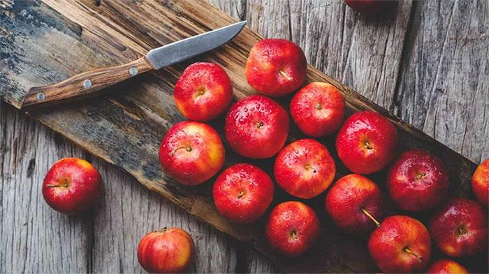 Mỗi quả táo chứa tới hơn 100 triệu vi khuẩn có lợi.