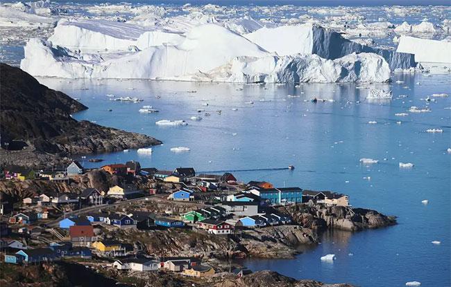 Băng ở Greenland tan nhanh khiến mực nước biển dâng nhẹ.