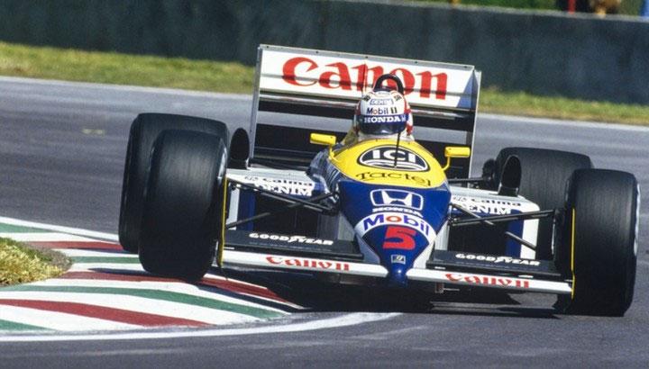 Trong mỗi cuộc đua, vận động viên sẽ phải điều khiển xe ở trạng thái nằm.