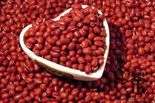 Vào ngày lễ Thất Tịch, ăn đậu đỏ cũng được xem là đồng nghĩa với việc cầu duyên.