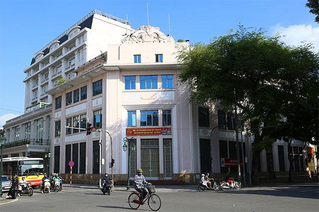 Tòa nhà này đến nay kiến trúc vẫn còn giữ được khá nguyên vẹn.
