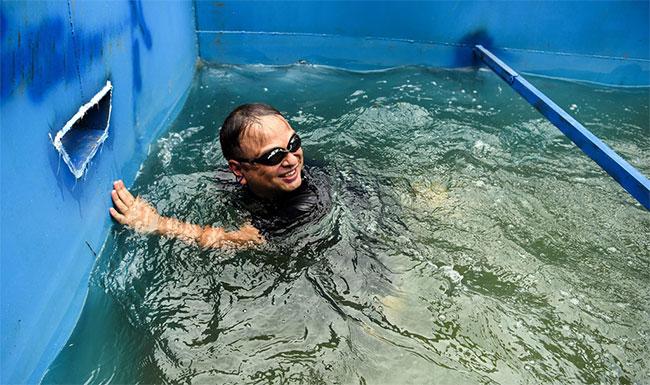 Khi tôi tắm không còn ngửi thấy mùi hôi của nước thải sinh hoạt nữa, nước gần như không còn mùi, ông Jun cho biết.