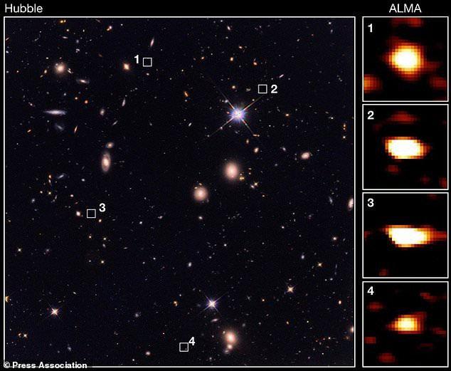 """Những thiên hà này hoàn toàn vô hình trước mắt """"gã thợ săn"""" Hubble của NASA"""