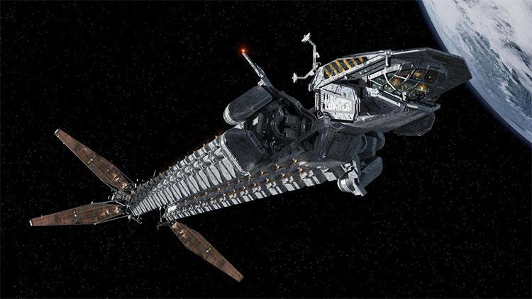 """Tàu Covenant cũng dùng các tấm """"buồm Mặt trời"""" để tận dụng nguồn năng lượng từ Mặt trời."""