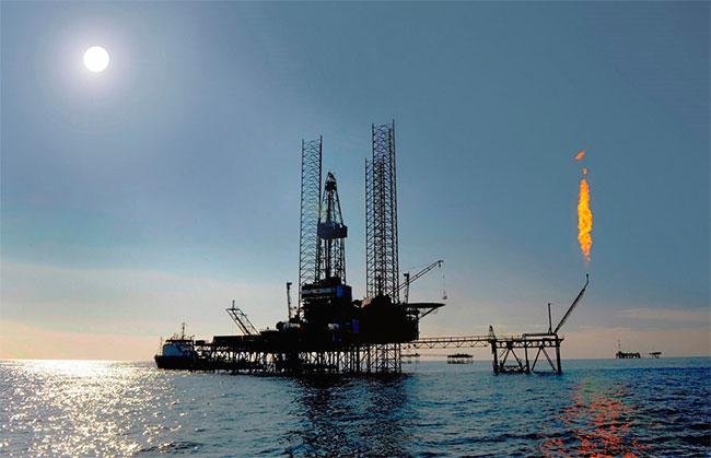 Suốt nhiều năm qua, Turkmenistan phát triển dựa vào nguồn dự trữ dầu khổng lồ của mình.