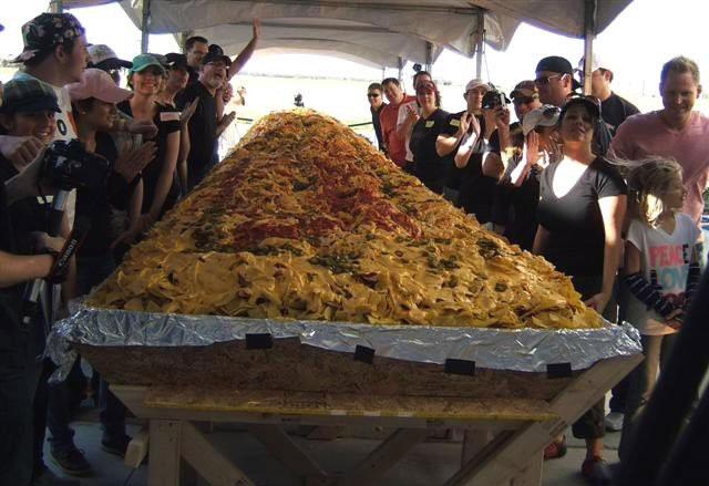 Chiếc bánh nachos khổng lồ ở Mexico.