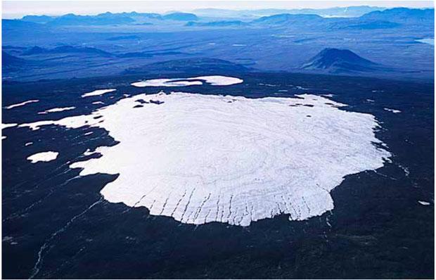 """Okjökull đã chính thức biến mất, trở thành dòng sông băng đầu tiên """"chết"""" trong kỷ nguyên biến đổi khí hậu."""