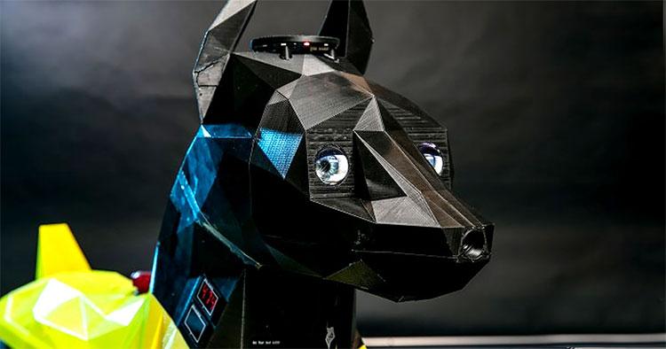 Chiếc đầu của Astro được in 3D mô phỏng theo loài Dobermann.