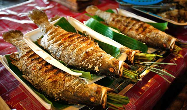 Cá nướng có chứa rất nhiều đạm nên có thể gầy đầy hơi.