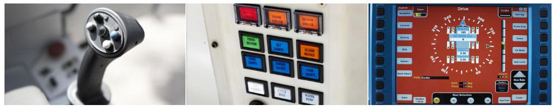 Xe sử dụng cần lái joystick, khi điều khiển cho cảm giác khá giống chơi game.