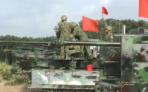 Phương án đưa pháo D-44 85mm lên xe bánh xích M548 của QK9.
