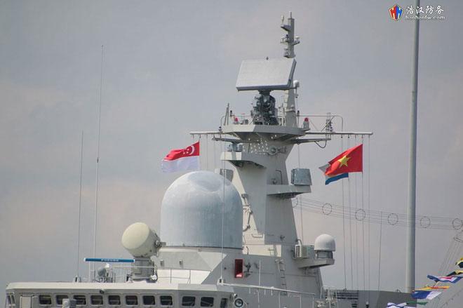 Cấu trúc thượng tần của Tàu 016-Quang Trung là nơi bố trí các hệ thống trang thiết bị trinh sát điện tử