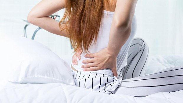 Điều trị đau lưng gần mông bằng thuốc Tây là lựa chọn của nhiều bệnh nhân.