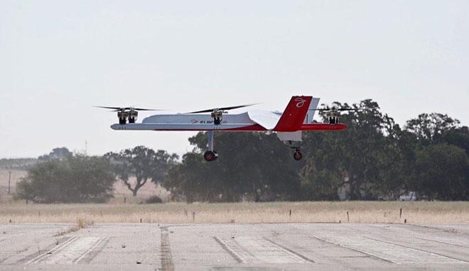 Chiếc máy bay không người lái của Elroy Air.