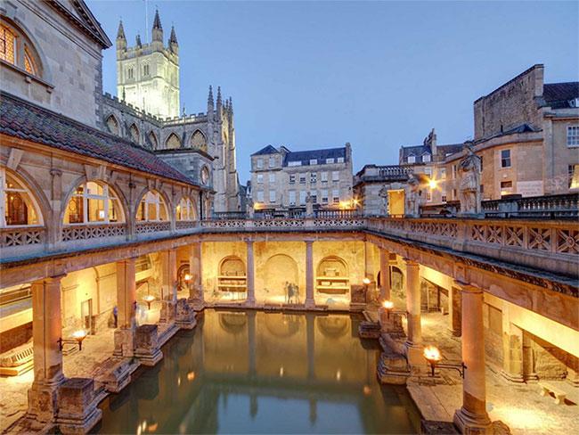 Bể tắm La Mã