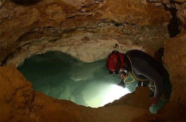 Hang Movile được con người phát hiện vào năm 1986