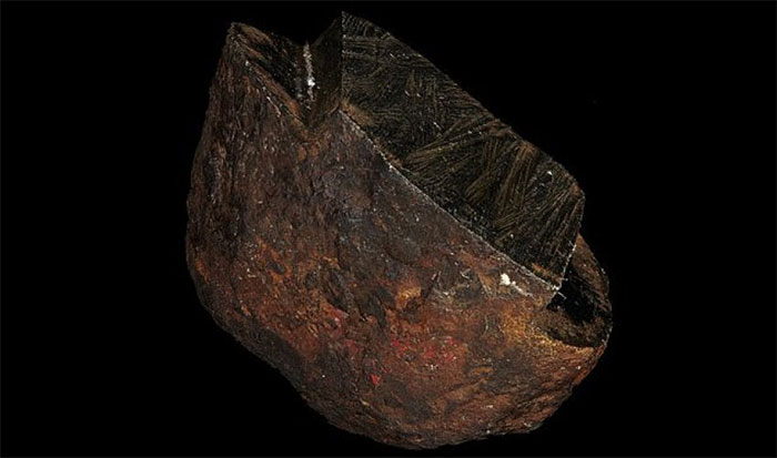 Một phần viên đá không gian bí ẩn đang được lưu giữ tại Bảo tàng Victoria (Úc).