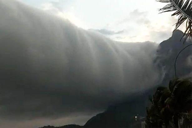 Mây cuộn thường đi kèm với luồng không khí lạnh