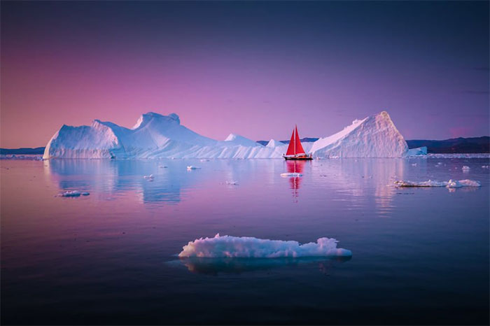 Chỉ riêng mùa hè này, 40 tàu du lịch đã ghé thăm thị trấn nhỏ Ilulissat nằm ở bờ biển phía tây Greenland