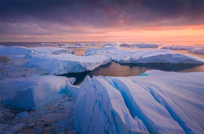 Những tảng băng trôi ở gần bờ