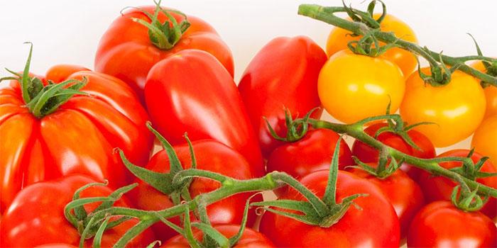 Bạn cần hết sức cẩn thận với lá cà chua vì chúng được coi là không an toàn khi tiêu thụ