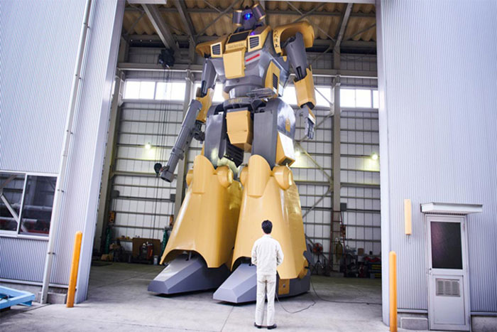 Robot Mononofu có kích thước khổng lồ.