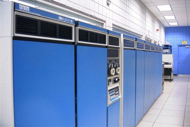 Chiếc máy PDP-10.