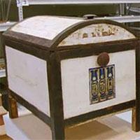 Lần đầu mở chiếc hộp bí ẩn trong lăng mộ vị vua trẻ nhất Ai Cập