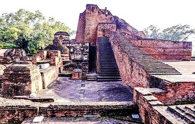 Tàn tích của Trường Đại học Nalanda sau khi bị tàn phá.