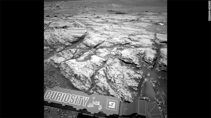 Robot thám hiểu Curiosity chụp lại khu vực đỉnh Teal trên sao Hỏa.