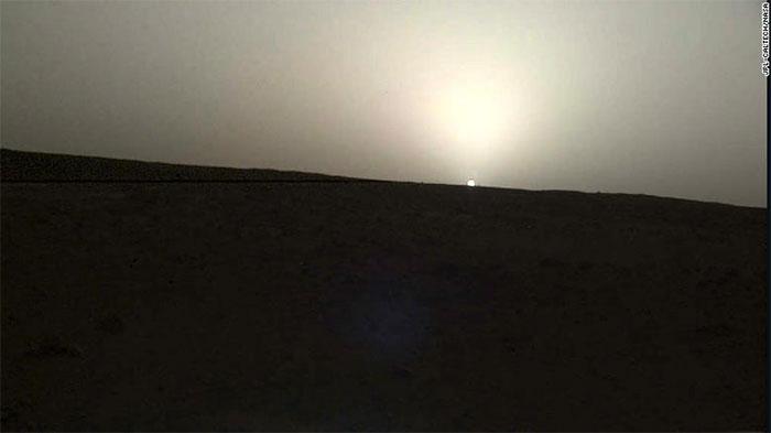 Hoàng hôn trên sao Hỏa ngày 25/4.