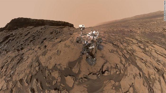 """Robot thám hiểm sao Hỏa Curiosity cũng có thể tự chụp ảnh """"selfie""""."""