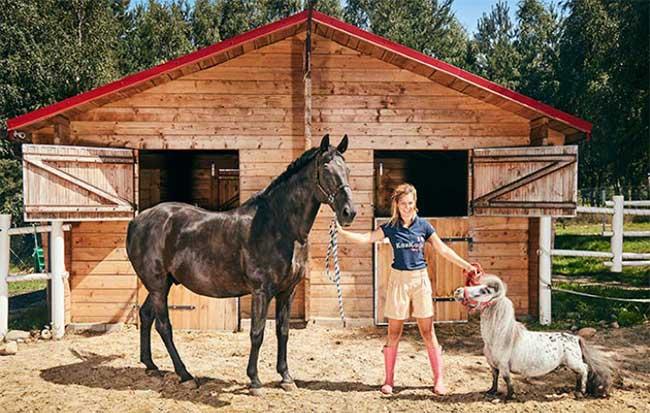 Chiều cao từ móng guốc đến xương bả vai của chú ngựa đặc biệt chỉ 56,7cm.