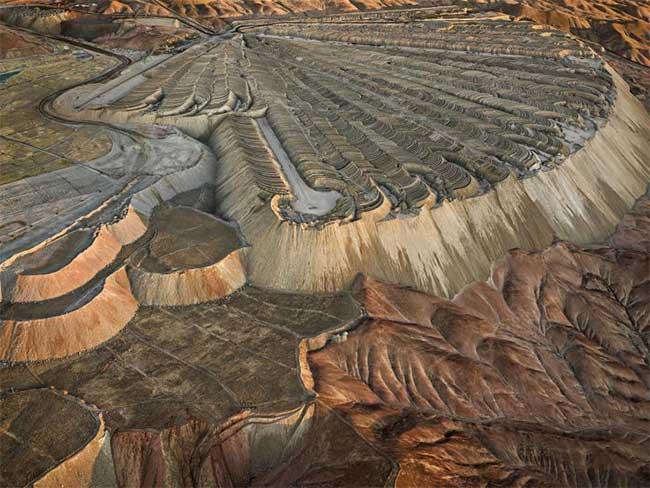 Hình ảnh mỏ khai thác đồng Chuquicamata ở Calama, Chile.