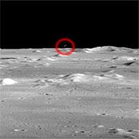 Dân mạng phát sốt vì UFO xuất hiện trong đoạn phim của tàu Apollo 15